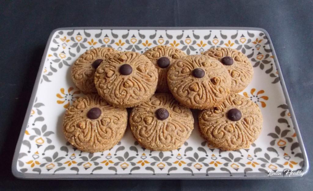 biscuitsaux épices fourrés noisettes, chocolat