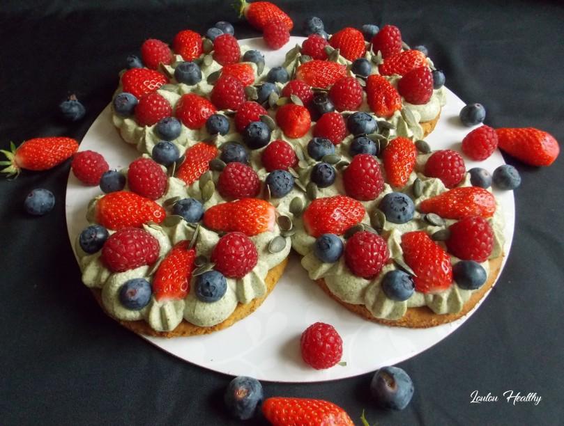 tarte magique à la purée de graines de courge et aux fruits rouges