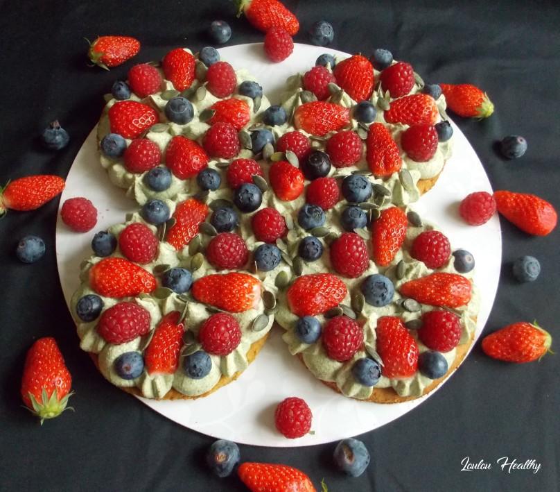 tarte magique à la purée de graines de courge et aux fruits rouges2