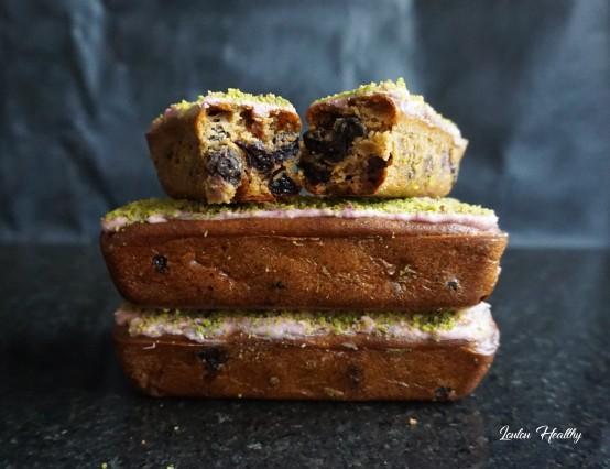 petits cakes à la semoule, pistache et fruits rouges4
