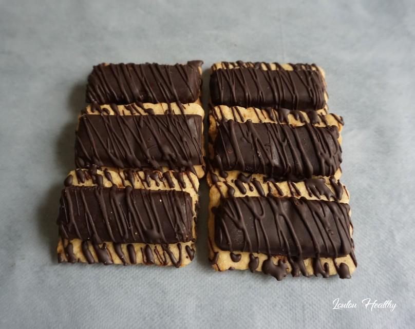 sablés aux tablettes chocolat fourrées lait-amandes3