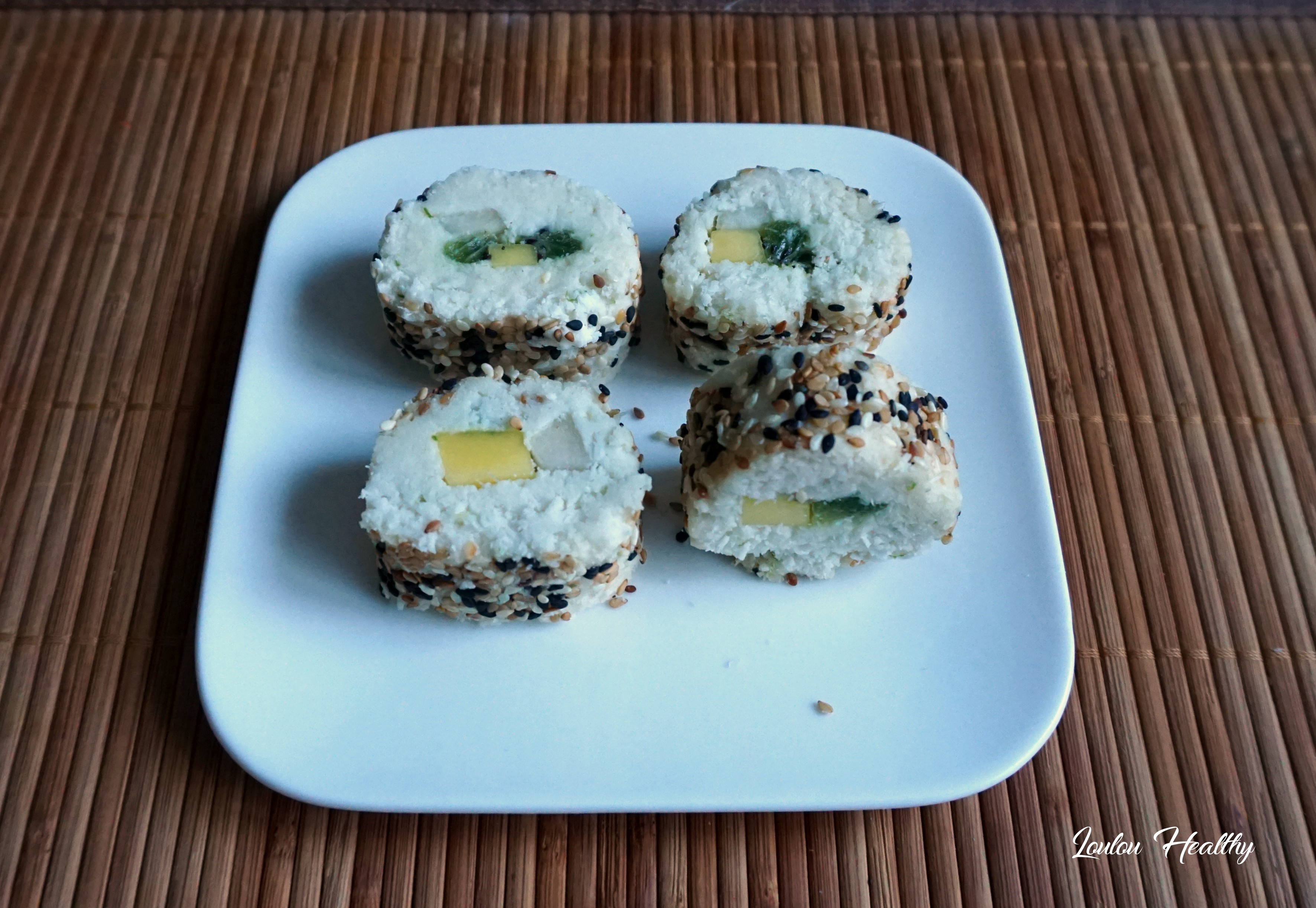 sushis rolls à la noix de coco et aux fruits exotiques5