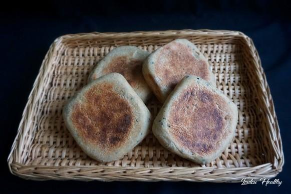 pains à la poêle aux nigelles