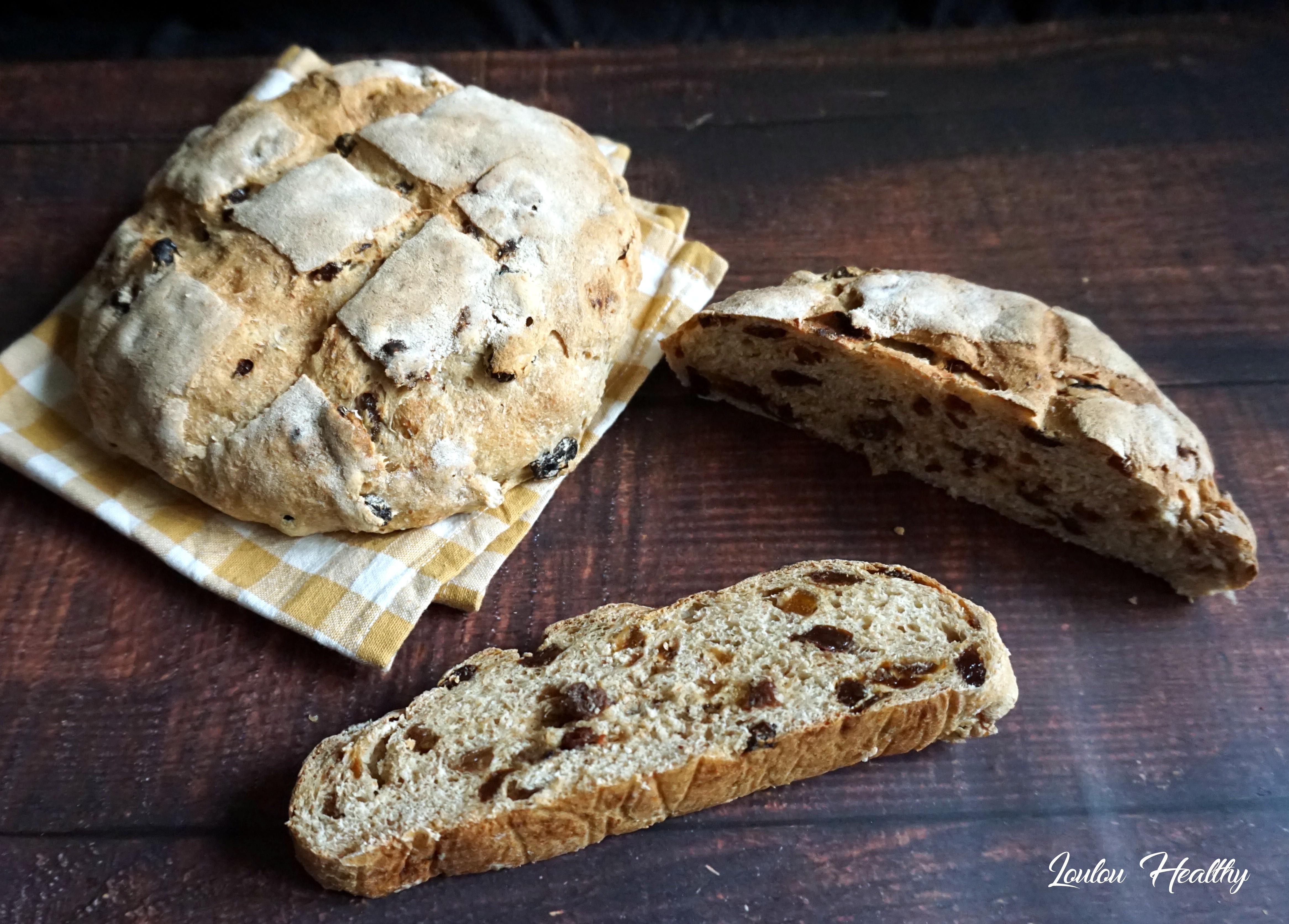 pains à l'epeautre raisins et abricots secs3